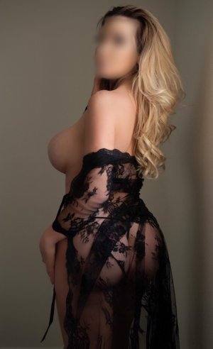 Marie-martine incall escort in Guayama