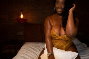 Nadjwa call girl in Largo, speed dating